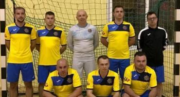 II miejsce policjantów w turnieju halowej piłki nożnej