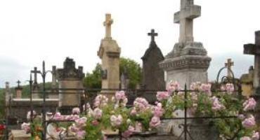 Kradzież na cmentarzu: zniknęła płyta i płaskorzeźba z Pomnika Nieznanego Żołnierza