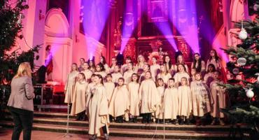 """""""Śpiewajcie i grajcie Mu"""" - koncert kolęd w garwolińskiej kolegiacie"""