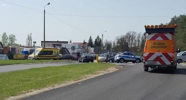 91-letni kierowca wymusił pierwszeństwo – Wypadek na skrzyżowaniu DK76 i DW 801