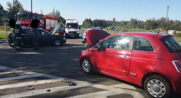 Kolizja samochodów na skrzyżowaniu w Wildze