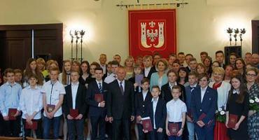 Laureaci olimpiad w inowrocławskim ratuszu