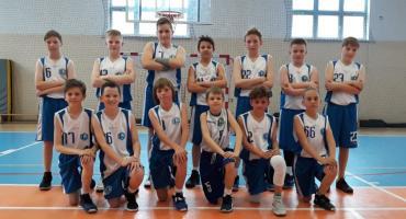 Udane mecze młodych koszykarzy