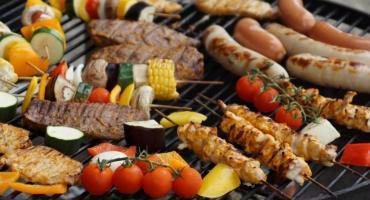 Wrzuć coś na ruszt, czyli jak wybrać grill ogrodowy