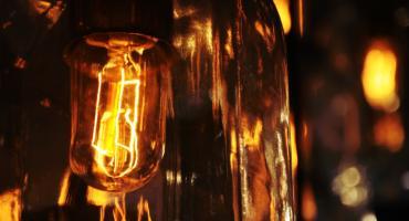 Przewodniki i izolatory - ciekawostki o energii elektrycznej