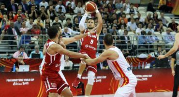 Waleczni Biało-Czerwoni, Hiszpanie w półfinale
