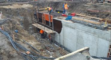 Intensywne prace nad nowym tunelem przy dworcu PKP