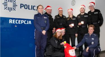 Policyjny Mikołaj obdarował dzieci