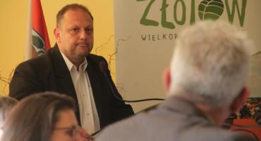 - Słyszysz się, dyrektorze?! - pytał na ostatniej sesji Sławomira Wilowskiego radny Krzysztof Koronk