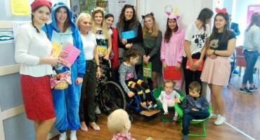 Przyjaciele Fundacji Odzyskać Radość czytali dzieciom