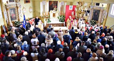 Wielki dzień w historii Kucic - msza w pięknie odnowionym zabytkowym kościółku