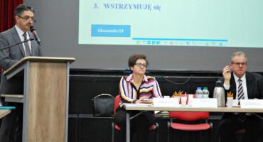 Pensja burmistrza i podwyżka podatków w Raciążu