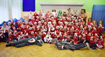 Sto lat św. Mikołajowi śpiewają dzieci z Przedszkola nr 2