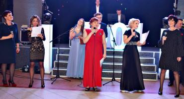 Studniówkowa wideoteka - ZS 1 Płońsk - śpiewają nauczycielki
