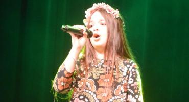 Ostatki z piosenką - śpiewają lokalne talenty - Hania Mikołajczyk