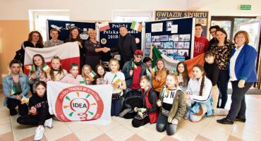 Wspólna ławka płońskiej trójki, czyli wizyta uczniów z Irlandii i Litwy