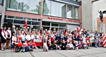 Obchody Święta Flagi tradycyjnie przed ratuszem