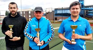 Wiśniewski wygrywa turniej tenisa ziemnego