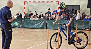 Podwójny triumf SP Naruszewo w turnieju bezpieczeństwa w ruchu drogowym