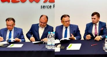Umowy na przebudowę dróg podpisali