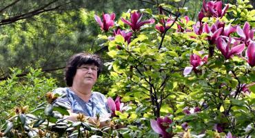 Foto-spacer po ogrodach w Kucharach Królewskich
