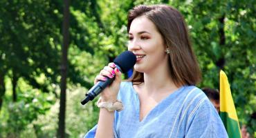 """Młodzież piknikowo na Rutkach - Aniela Mańkowska i """"Baju baj"""