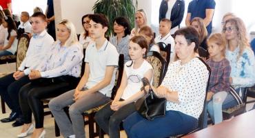 Uroczyste wręczenie stypendiów w Raciążu