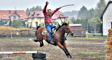 """Sochocińskie pokazy konne dla podopiecznych fundacji """"Malwa"""""""