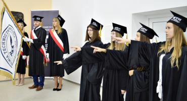 Studenci już do nauki - inauguracja roku akademickiego na płońskim wydziale UTH