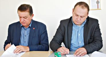 Umowę na rewitalizację zieleni w jordanku (i nie tylko) podpisali