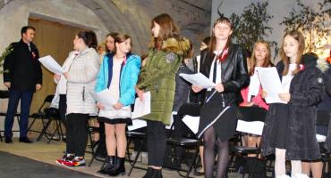 """Koncertujemy niepodległościowo - śpiewowisko w czerwińskiej bazylice """"Niepodległa, niepokorna"""""""