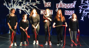 Bo radość jest w nich - na scenie grupa taneczna SOSW Płońsk