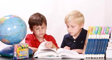 Zaburzenia wzroku, których rodzic często nie zauważa u swojego dziecka  i ich wpływ na naukę.