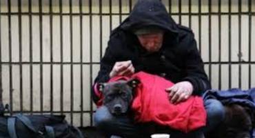 Nadchodzi zima. Miasto zaprasza bezdomnych na ulicę