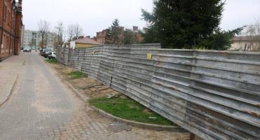 """Interpelacje radnych: burmistrz ws. inwestycji za """"podkową"""""""