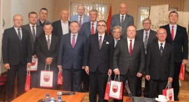 Ostatnia sesja rady powiatu kadencji 2014 – 2018 [retransmisja]