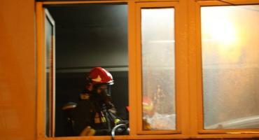 Tragiczny finał pożaru. Jedna osoba nie żyje, dwie przewieziono do szpitala