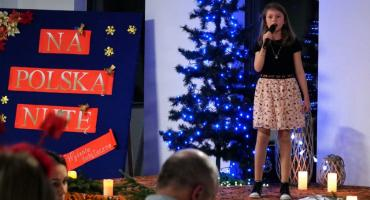 Świąteczne piosenki rozbrzmiały w Szumowie [foto + video]