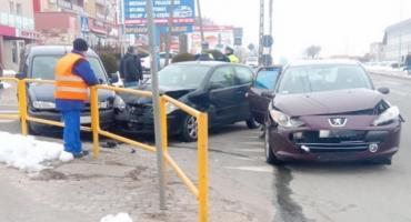 Trzy osobówki zderzyły się dzisiaj na Białostockiej [foto]