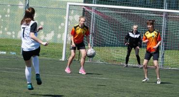 Rozegrano Powiatowe Igrzyska Młodzieży w piłce nożnej dziewcząt i chłopców [foto]