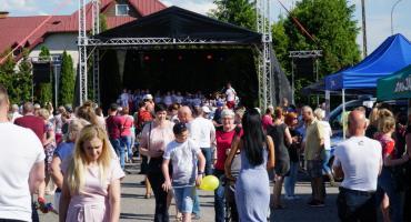 """Parafianie bawili się na Festynie Rodzinnym w """"Duchu"""" [foto+video]"""