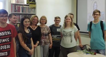 Pisarka Katarzyna Droga gościła w Miejskiej Bibliotece Publicznej