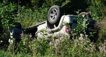Jeep dachował nieopodal Szelig-Leśnicy [foto]