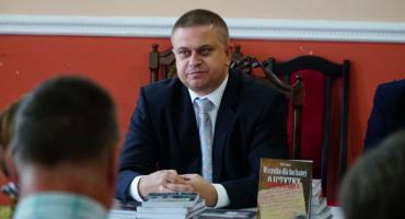 """Robert Radzik zaprezentował swoją najnowszą publikację - """"Wszystko dla kochanej Ojczyzny"""" [foto]"""