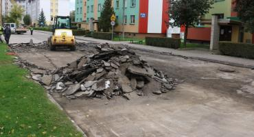 Utrudnienia przy ul. Białostockiej. ZSM remontuje drogę osiedlową [foto]
