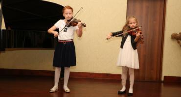 Młodzi artyści grali w szkole muzycznej z okazji Dnia Nauczyciela [foto]