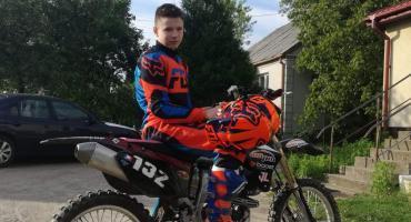 Bartosz Baczewski choć ma dopiero 12 lat, ma na swoim koncie pierwszy motocrossowy sukces [foto+video]