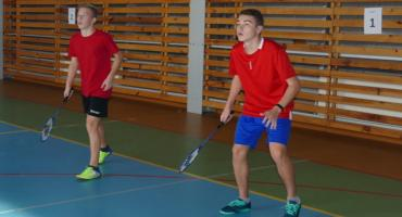 Dziewczęta z Osowca i chłopcy z Wiśniewa w Finale Grupy Zachodniej w badmintonie
