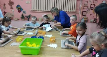 """Przedszkolaki z """"Biedronek"""" z wizytą w SOSW w Długoborzu"""