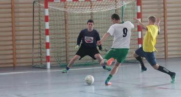 Turniej halowej piłki nożnej o Puchar Honorowego Prezesa LKS Tarnovii Tarnówka Eugeniusza Grzybka
